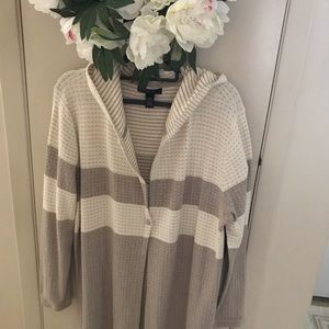 Style and company hooded sweater. XL